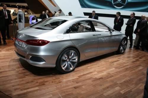 Mercedes демонстрирует «гибридные» достижения концептом F800 Style